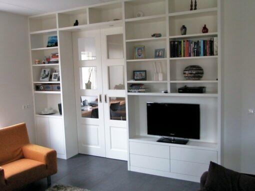 En suite: modern met strakke en suite deuren