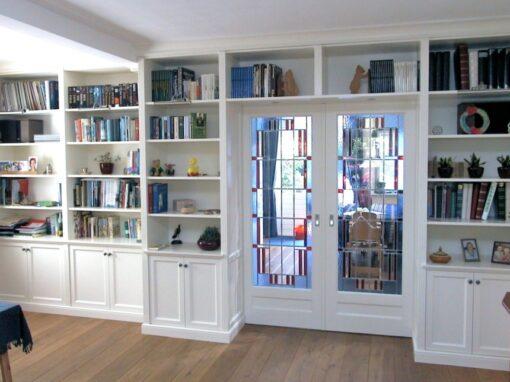 En suite: Engelse stijl met glas in lood