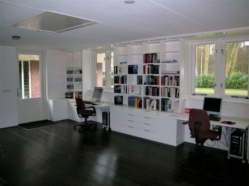 Werkkamer modern ruim